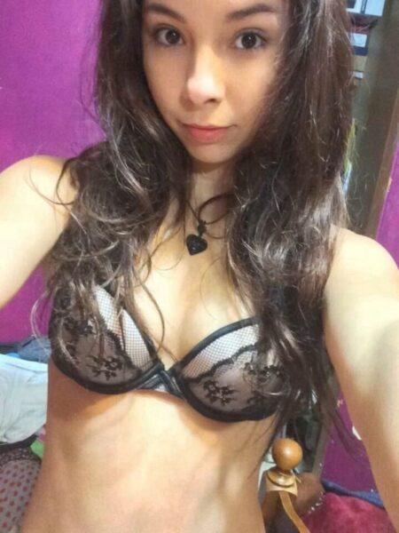 coquine sexy soumise pour mec sérieux souvent disponible