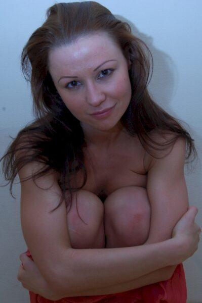 Femme sexy dominante pour gars obéissant